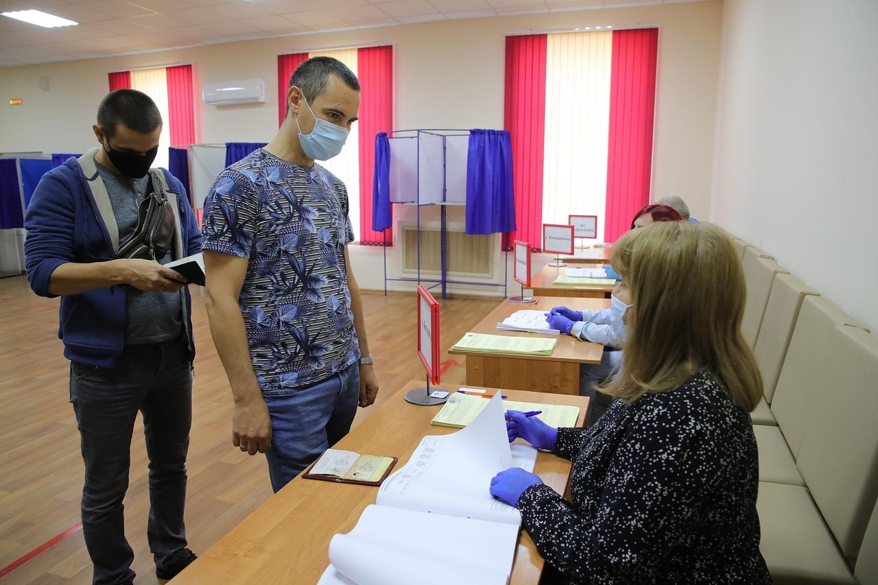 Василий Голубев принял участие в голосовании по выборам губернатора Ростовской области
