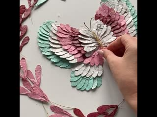 бабочка из самолетиков-крылаток