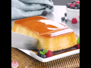 Крем-карамель или флан с карамелью - нежный и очень вкусный десерт из простых продуктов