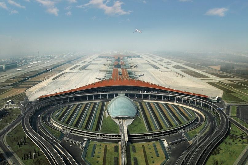Невероятные аэропорты, в которые точно захочется вернуться, изображение №9