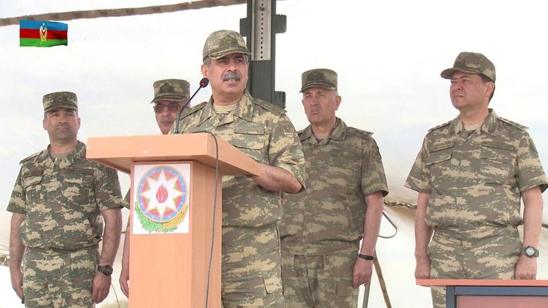 Müdafiə naziri təlim mərkəzində bölmələrin məşqlərini izləyib - 21.05.2019