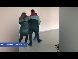 Мать из Челнов устроила потасовку в школе