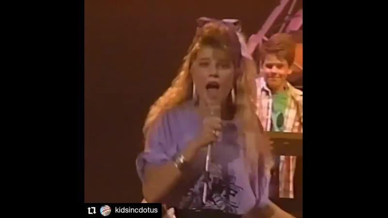Fergie sings Vixen's Edge of a Broken Heart