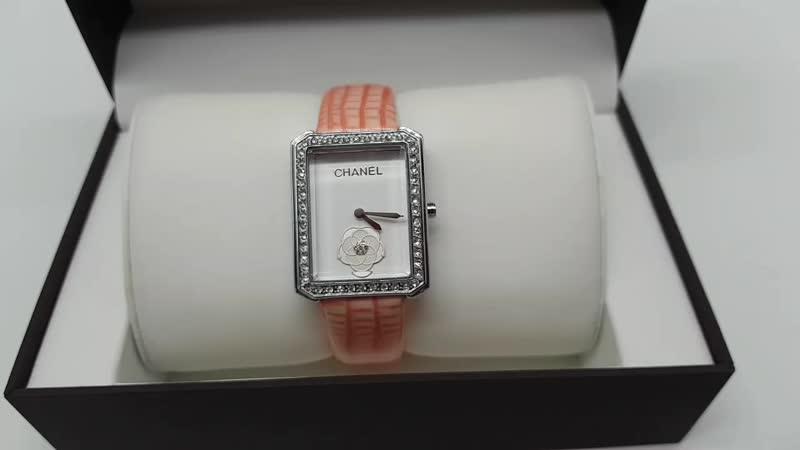 Часы Шанель квадратные белое золото кристаллы Сваровски кожаный ремешок пудра