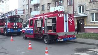 На пожаре в Бресте работники МЧС спасли двоих человек