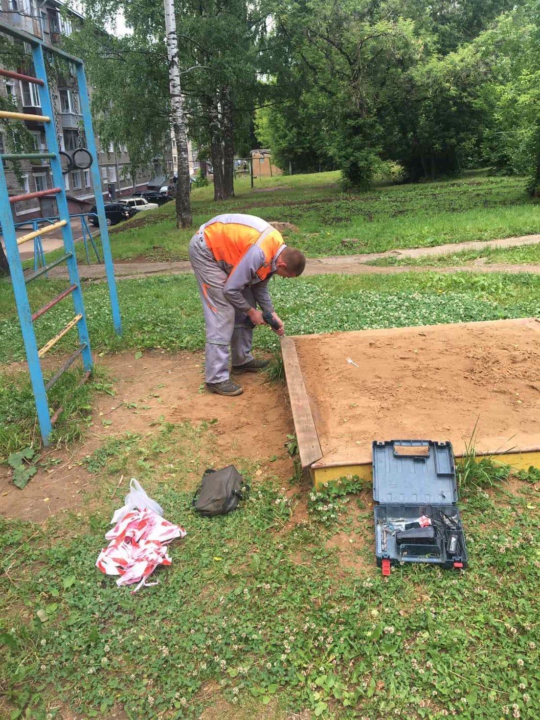Улица Большева дом 10 ремонт песочницы и