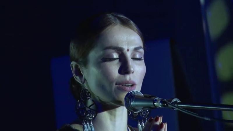 Хорошо ли Сати Казанова поёт на санскрите Взгляд санскритолога