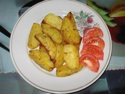Нереально простой и вкусный рецепт картошки по-деревенски!
