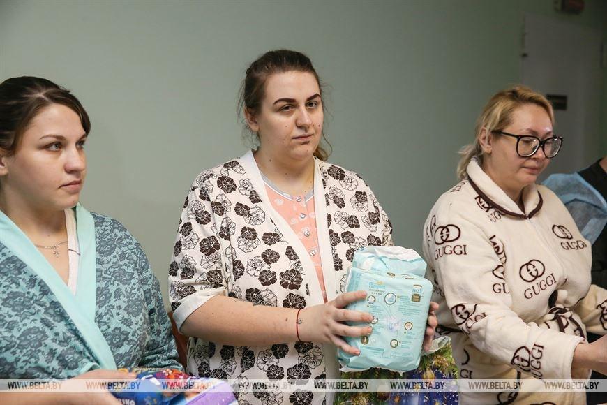 Брестская епархия поздравила родившихся 7 января младенцев и их мам