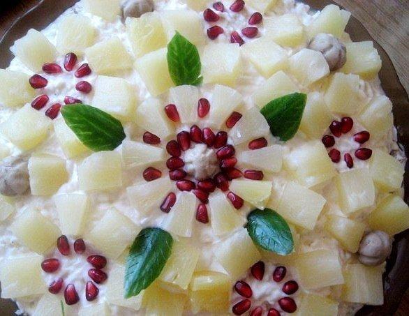 Салат «Ананасовый букет»