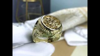 Мужское золотое кольцо на заказ с инициалами, отпечатком пальца и гравировкой Себе любимому