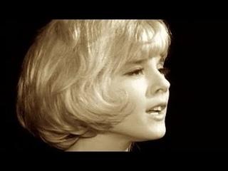 Sylvie Vartan: La plus belle pour aller danser- Film 1964 (En/Fr Lyrics)