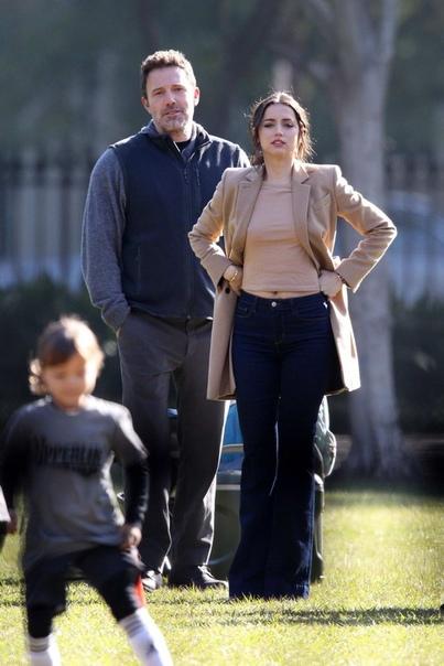 Бену Аффлеку 48 Сегодня актер, режиссер и обладатель двух «Оскаров» отмечает свой день рождения. Называйте свои любимые фильмы с его