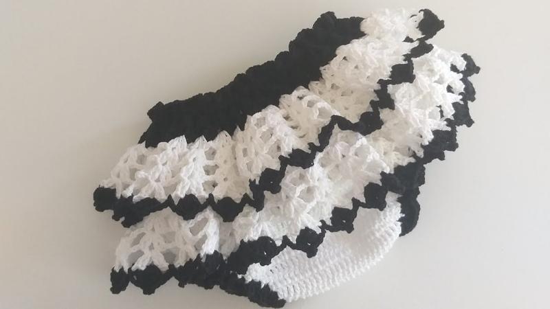 Calcinha babadinho em crochê (tema panda 0 a 5 meses)