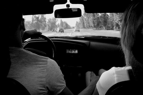 Картинки пары со спины в машине