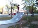 Джастин Бибер катается на скейте в Стратфорде (2007)
