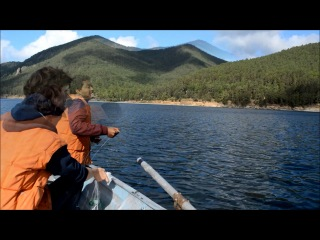 How to feel like a real Baikal fisherman (and to get deep-water amphipods): master class from Anton and Tesfa