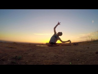 Grounded Flow with Woody Woodrow    Yoga For Back Pain