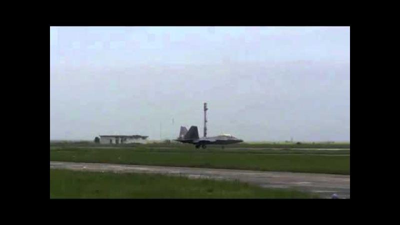 Avioanele F22 Raptor au aterizat pentru prima dată pe aeroportul Mihail Kogălniceanu