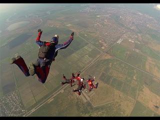 Выступление российской сборной по парашютному спорту на международных соревнованиях