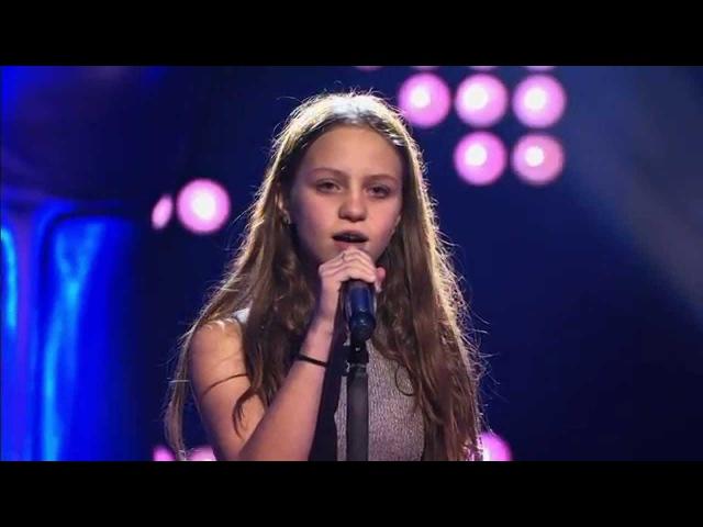 Resa – 'Nothing else matters'   Blind Audition   The Voice Kids   VTM