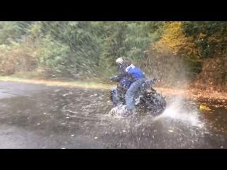 Трюки на мотоциклах | Ямаха R6 | Стантрайдинг в дождь