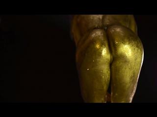 Golden bootyNastya Nass Twerk Body Art