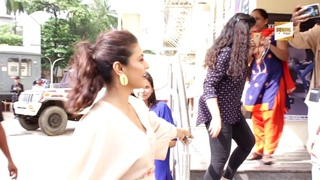 """Kajol Spotted JUHU PVR For Trailer Launch """"Incredibles 2"""""""