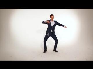 Как танцуют парни! Смотри и запоминаи)