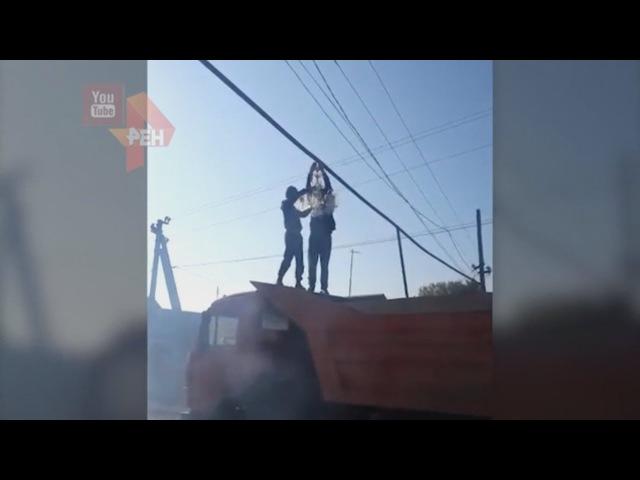 Жители села в Дагестане станцевали лезгинку под установленной на улице хрустал