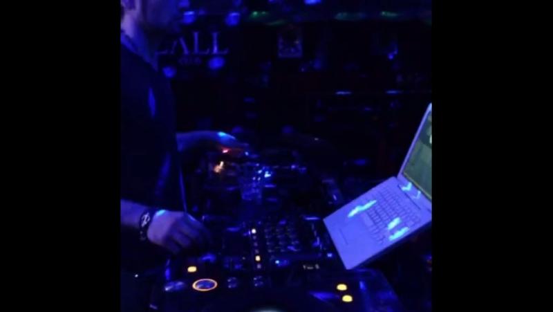 DJ Sam Radeo