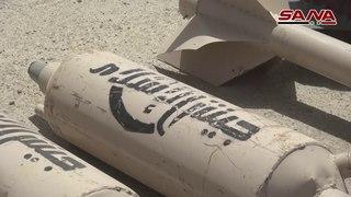 Боевики «Джейш аль-Ислам» в Восточном Каламуне #Cирия сдают пожитки.Cреди прочего оружия - ракеты американского производства.