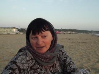 Мама Таня цыганские песни исполняет:)
