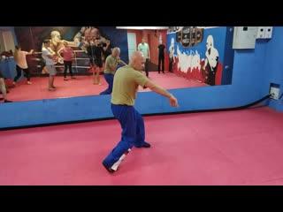 10 В.Н.Крючков. упражнение уклон и сайдстэп