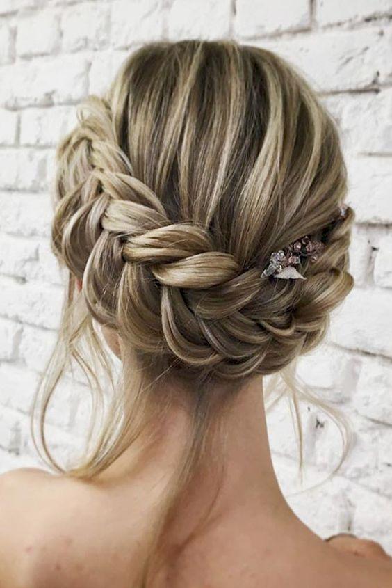 Больше объема: 10 вариантов причесок для тонких волос, изображение №8
