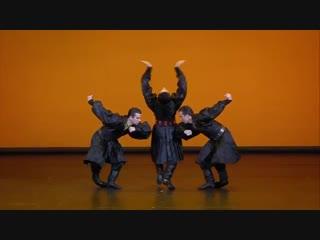 Калмыцкий танец. ГААНТ имени Игоря Моисеева