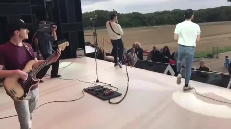 видео со съёмок Богемской Рапсодии Live