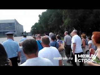 Нижний Тагил, митингующим удалось предотвратить задержание.
