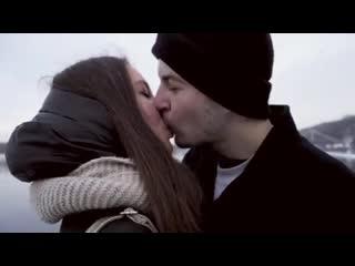 Как легко поцеловать девушку kissing prank
