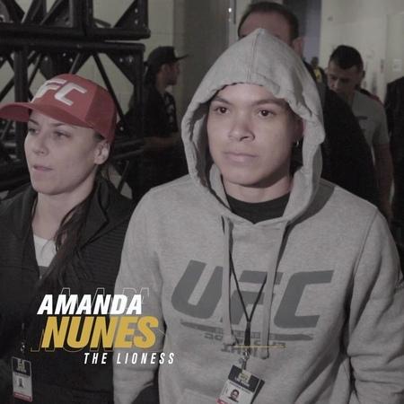 """UFC Español on Instagram """"Llegaron la doble campeona y la retadora @amanda_leoa y @hollyholm UFC239"""""""