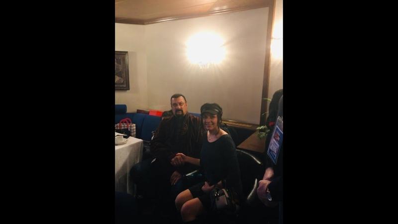 Анна Дарская поёт на мероприятии Стивена Сигала!!