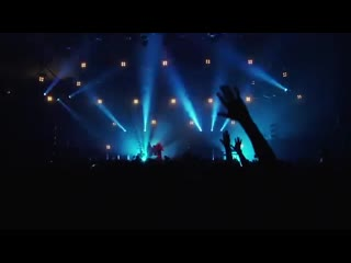 Faithless-god is a dj (live at alexandra palace)