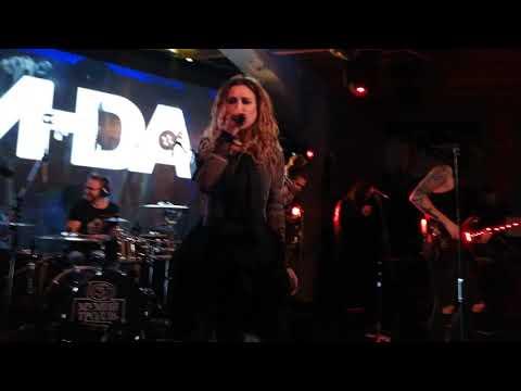 Линда - Сидите потише Мумий тролль Music bar 08 May 2019