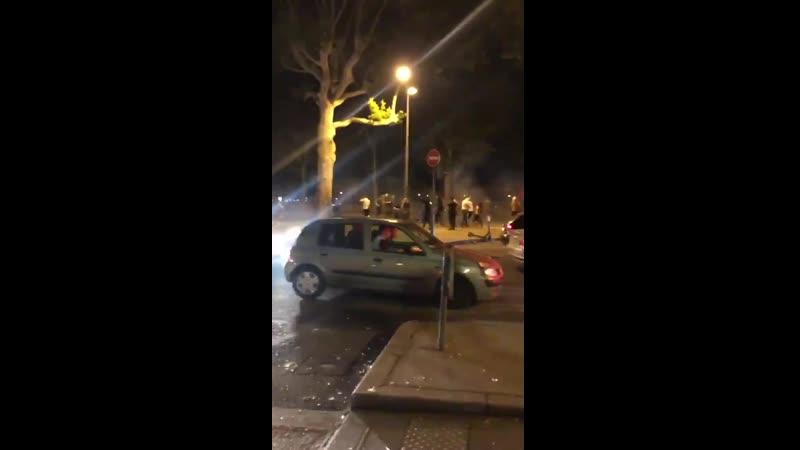 La fête est terminée Des affrontements se déroulent dans Lyon Un hélicoptère a été appelé en renfort @lyonmag