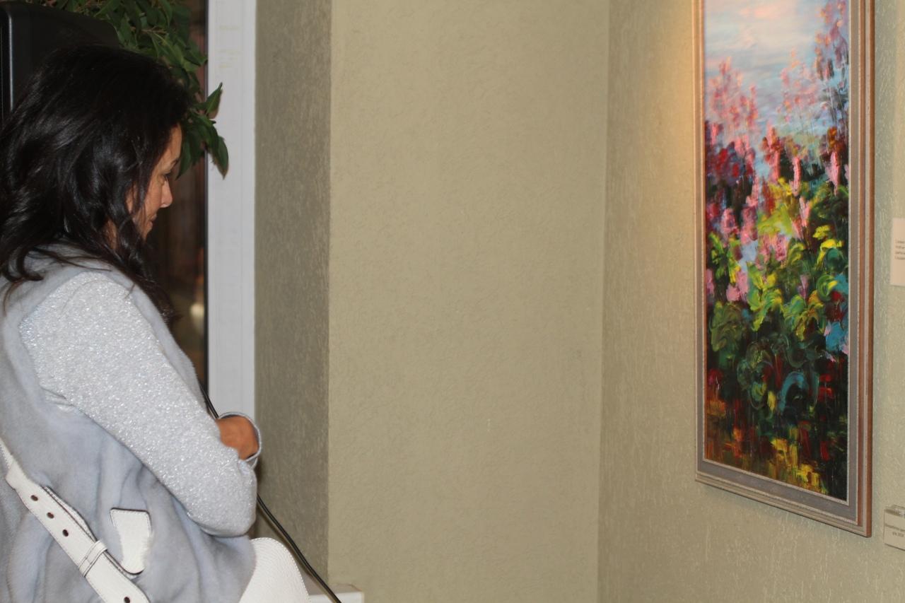 """Торжественное открытие выставки Юлии Ляско """"Ощущения"""" в галерее """"Мастер""""."""