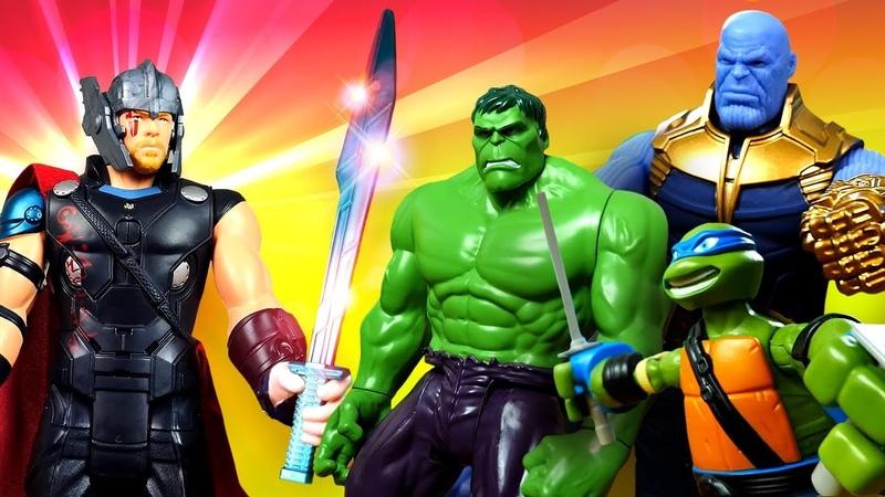 Steve de MineCraft busca la espada de Thor La vida secreta de los juguetes Superhéroes para niños
