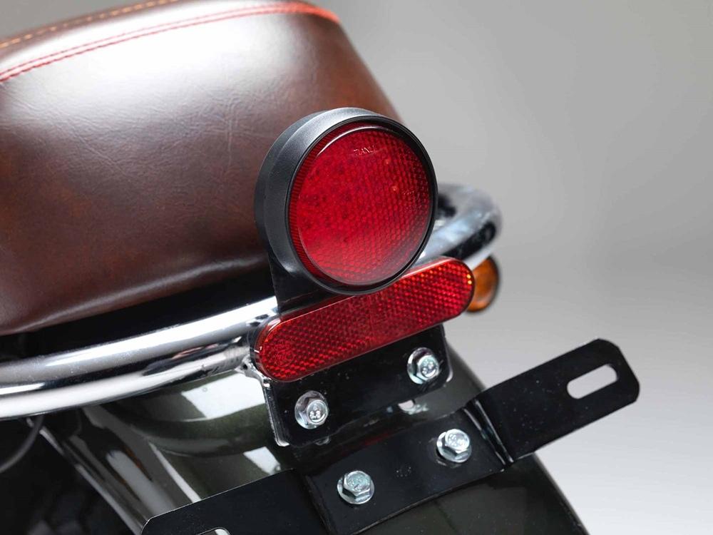 Ретро скрэмблер Bullit Bluroc 125 стоимостью 2000 фунтов