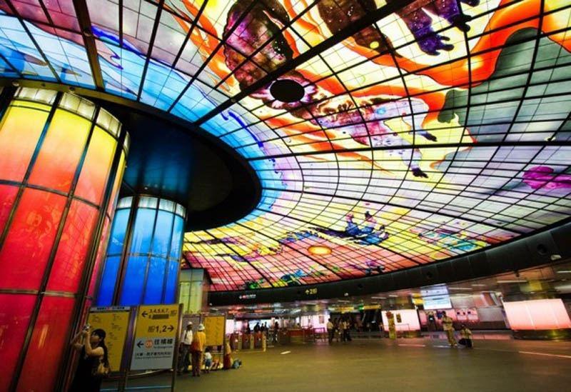 ТОП самых красивых метро, изображение №30