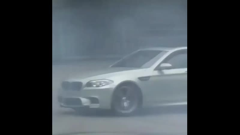 Bmw drift InstaUtility 00 B7JoRWhJknI 11