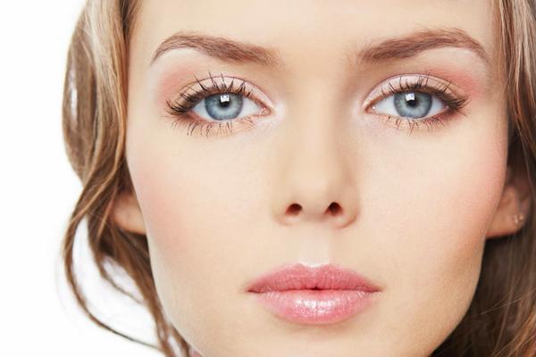 Как выбрать лучший очиститель для кисточек под макияж?